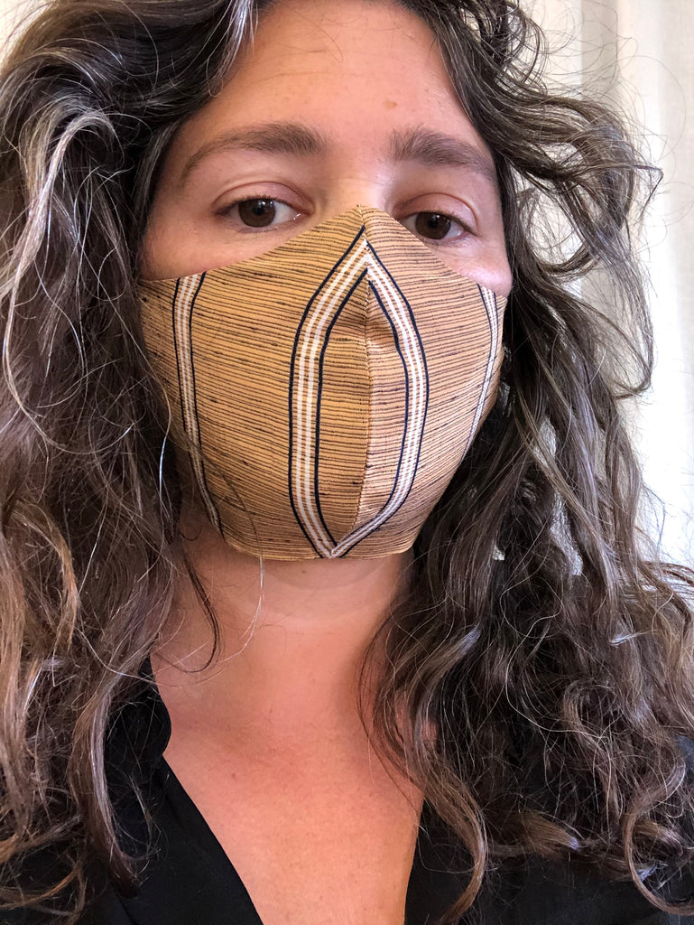 Face Mask Elastic Over The Ears Studio Daisy Kroon While we never see her face, daisy can be seen with bruises on her body as alan gets more mean. face mask elastic over the ears