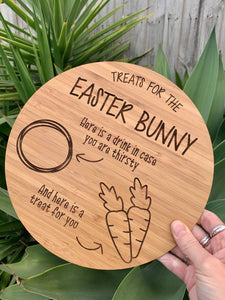 DOUBLE-SIDED SANTA/EASTER BUNNY SNACK PLATE
