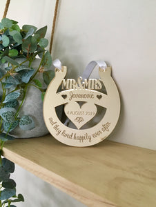 WEDDING KEEPSAKE HORSESHOE GOOD LUCK CHARM