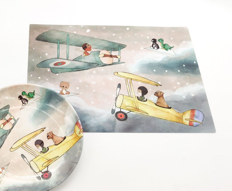 Illustrated Dinner Set - Tom and Henry flying in the sky