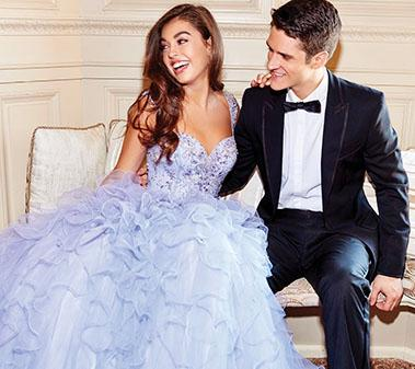 Impress Your Date: 5 Prom Tuxedo Trends in 2019