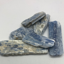 Load image into Gallery viewer, Blue Kyanite