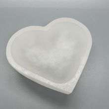 Load image into Gallery viewer, Selenite Heart-Shaped Bowl