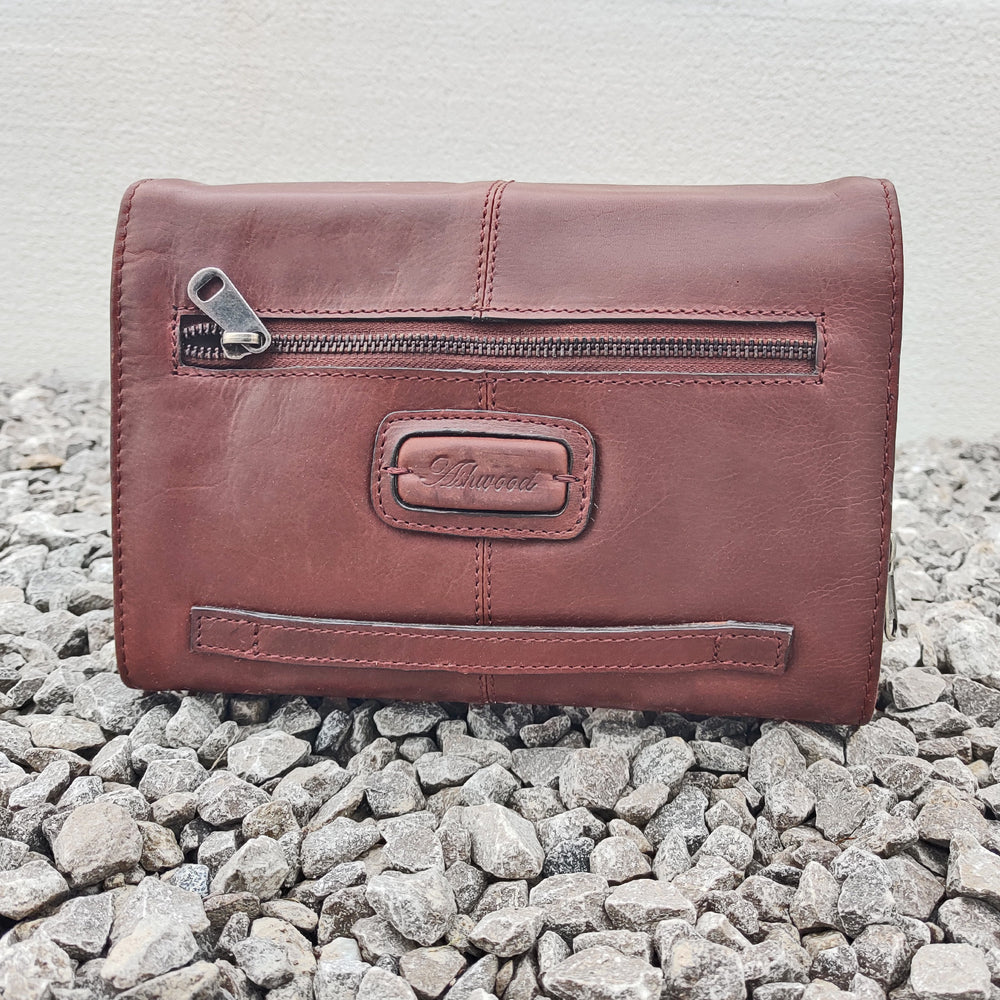 Tan Leather Hanging Toiletry / Washbag
