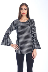 COLOR BLOCK TEXTURED TOP IN BLACK AND WHITE