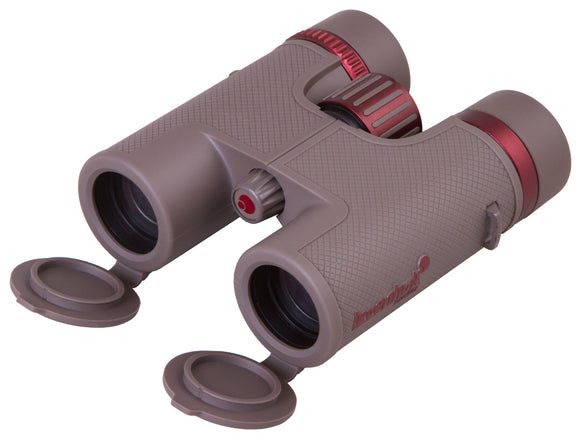 Wide-field roof binoculars with extra-low dispersion optics. Five-element eyepieces. Magnification: 8x. Objective lenses diameter: 32 mm