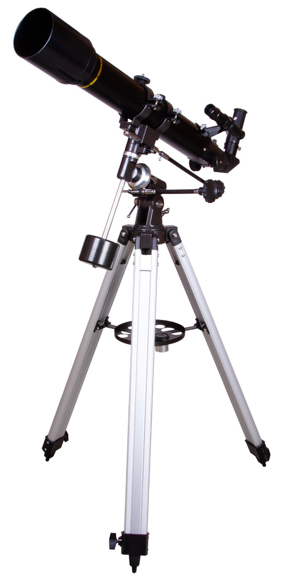 Refractor. Aperture: 70mm. Focal length: 700mm