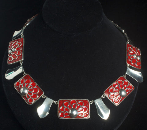 A Sweeping Statement Necklace