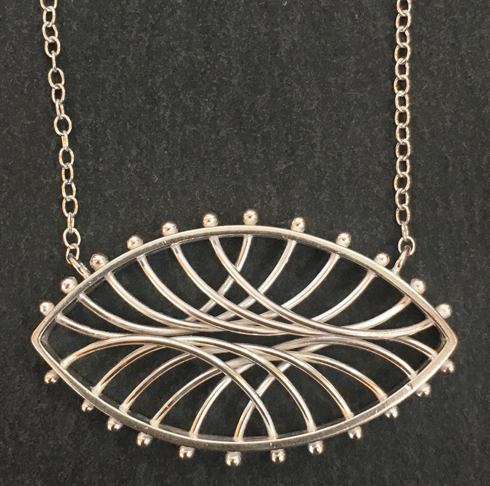 Small Oval Arc Necklace - Horizontal