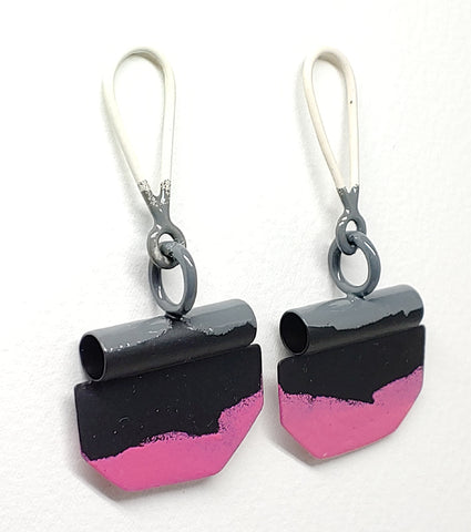 Edge Open Tube Earrings in Pink