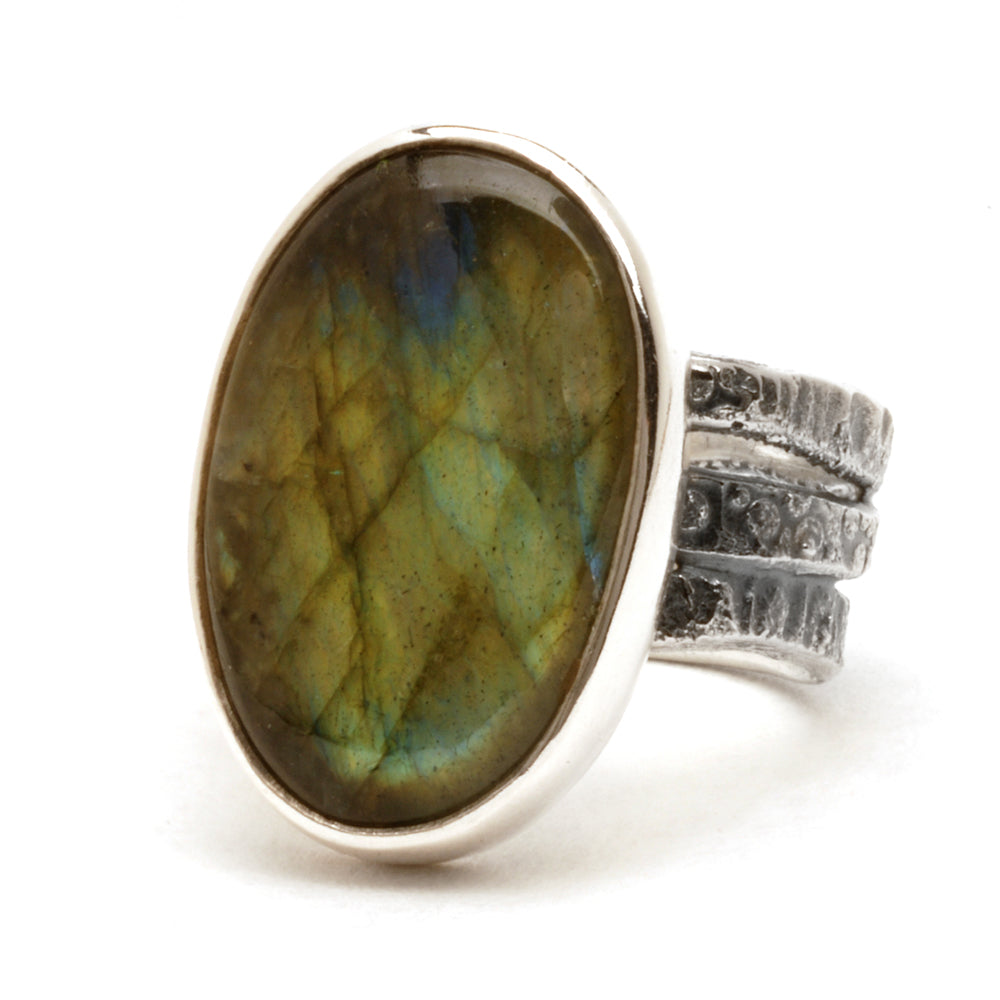 Green Labradorite Wave Ring
