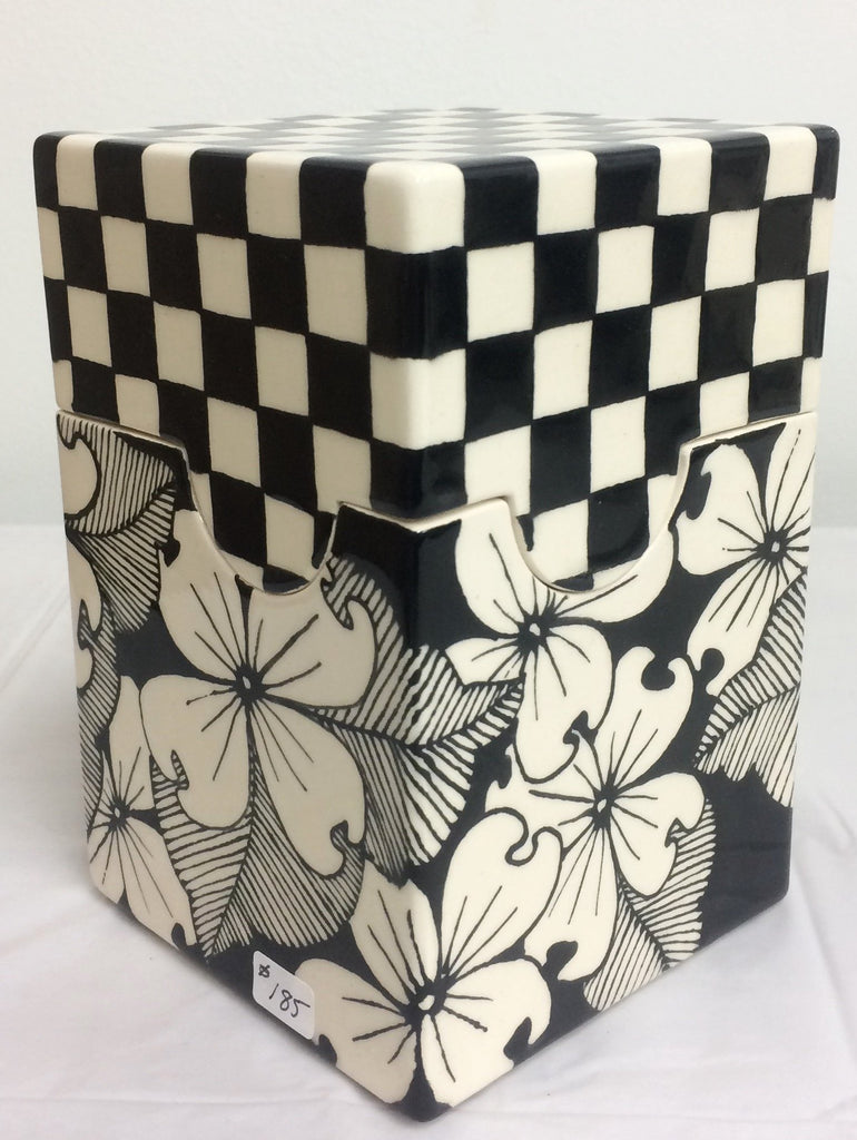 Dogwood Box w/ Checkered Lid