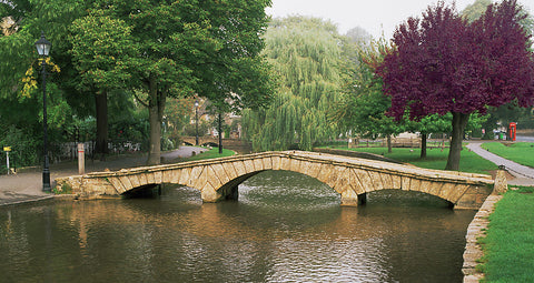 Stone Bridge- Bourton-on-the-Water(Cotswolds), England