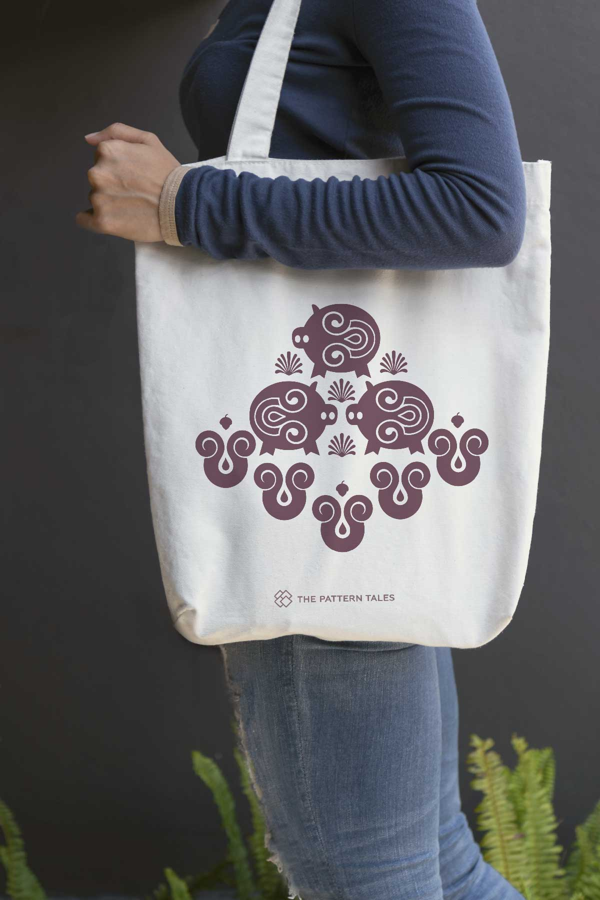 Circe: limited edition tote bag designed by Chiara Aliotta