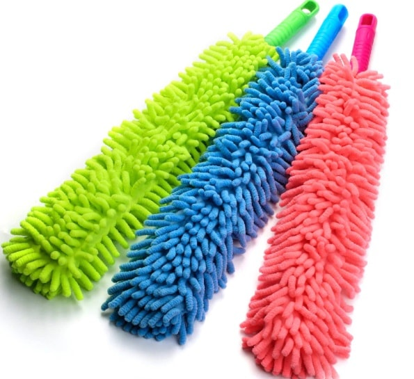 Witty™ Flexible Microfiber Cleaning Brush With Extendable Rod (Multi-colour)