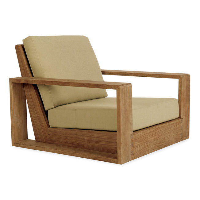 Poolside Lounge Chair