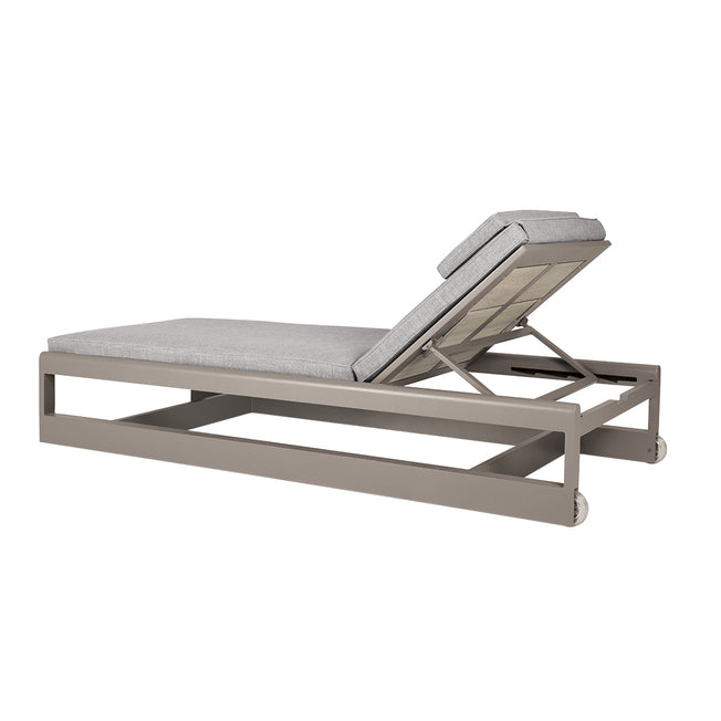 Great Lakes Armless Chaise