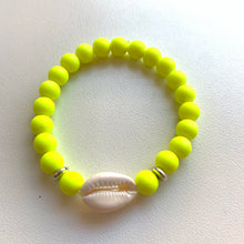 Load image into Gallery viewer, Green fluo shell bracelet
