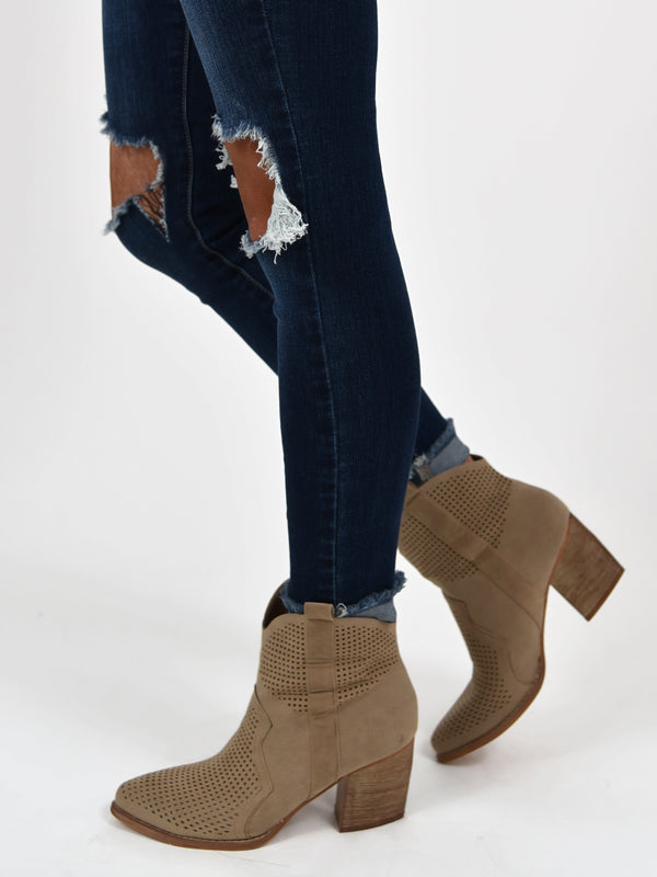 Dallas Bootie | Taupe