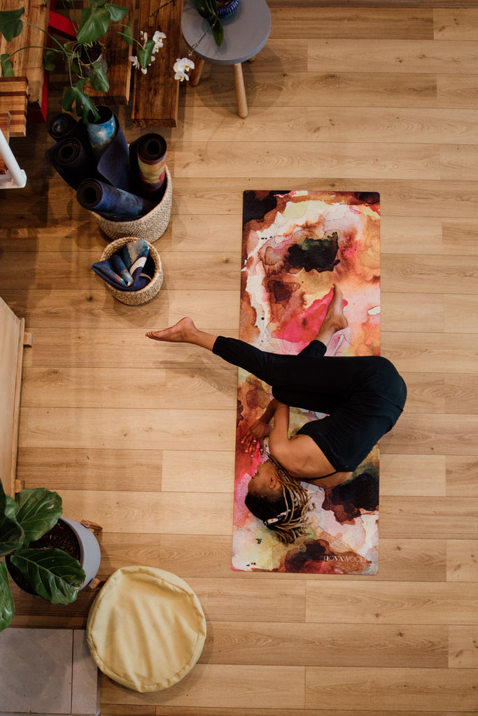 With its superior grip in humid conditions, extra comfortable cushioning, and super absorbency, our LUXE mats are a dream for hot yoga & sweaty practices. When used in dry conditions, the non-sticky surface aids in building strength.