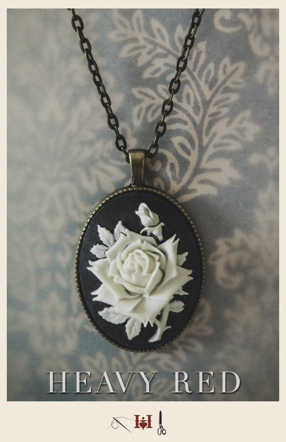 White Rose Innocence Cameo