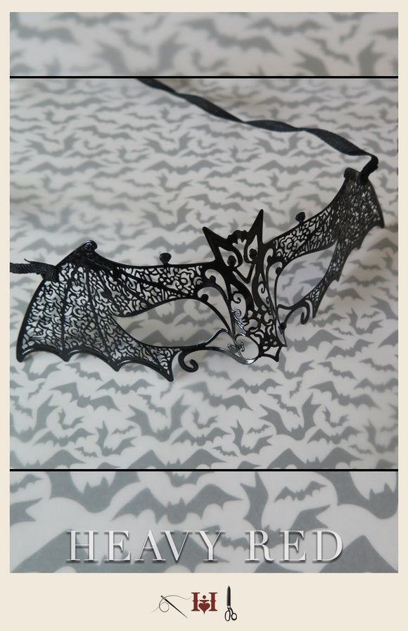 Noir Bat Wire Mask