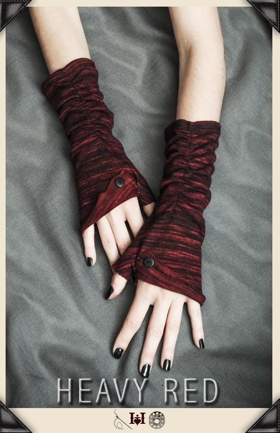 Guarded Heart Button Sweater Gloves