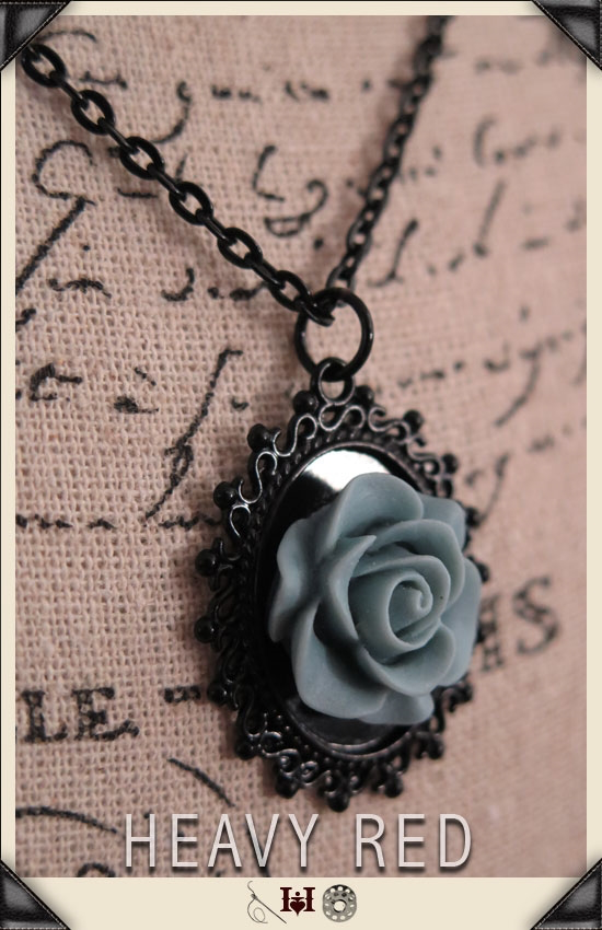 Alice Faded Rose Cameo