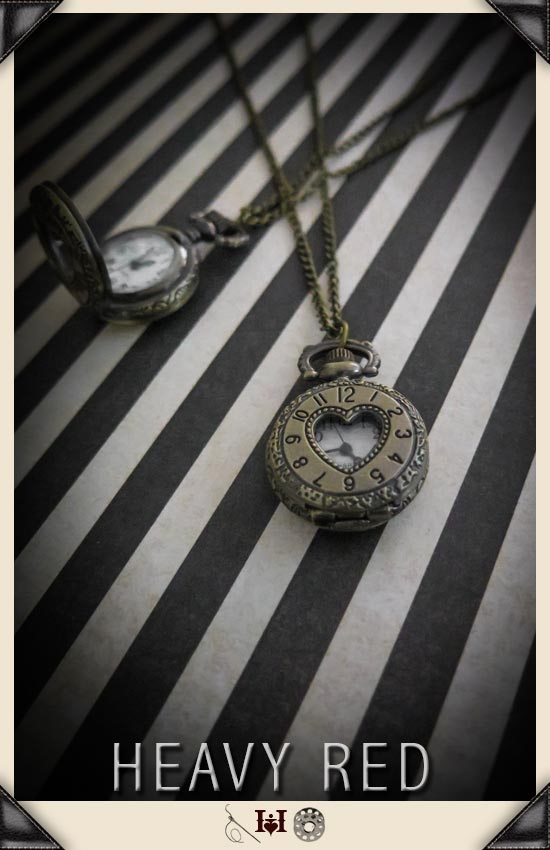 Alice In Wonderland Heart Window Pocket Watch
