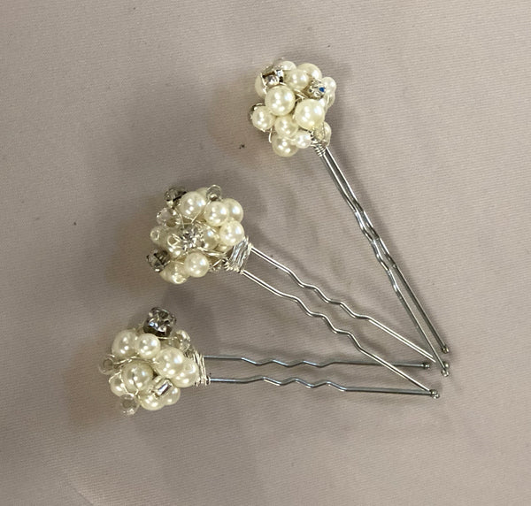 Set of 3 Pearl and Diamonte Hair Cluster Pins
