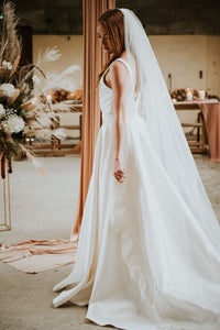 Full length Single Tier Veil with Feather Trim
