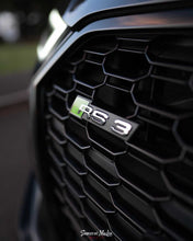 Load image into Gallery viewer, Audi RS4 Colour Change Badge Inner