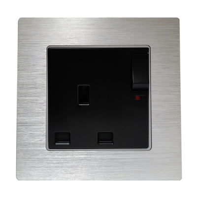 Single UK 13A 3-Pin AC Wall Power Socket in Silver Brushed Alum Frame & Black Centre