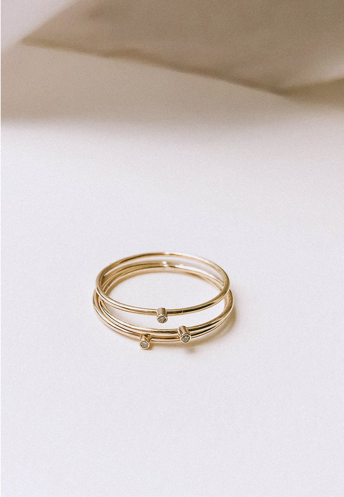 Fine gold band with diamond - Adriana Chede Jewellery