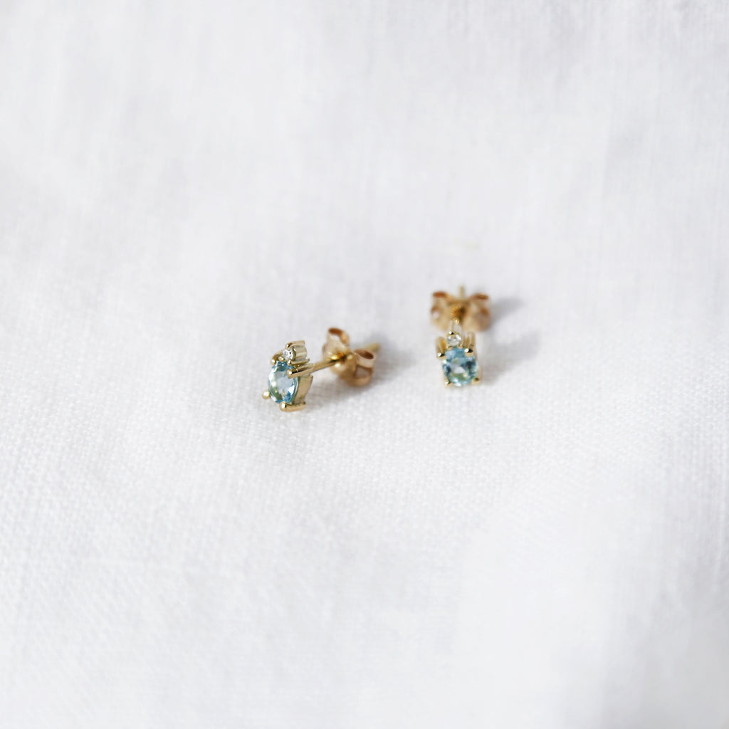 Oval Acquamarine Gold Earrings