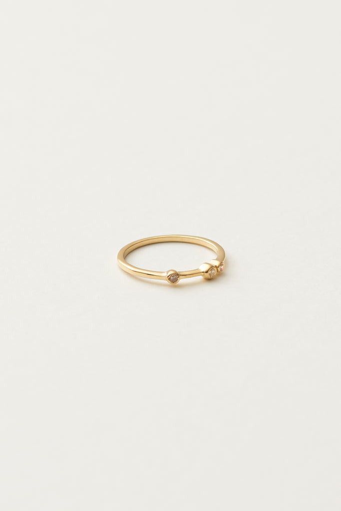 STUDIO LOMA - ALBA ring, gold with 3 white diamonds