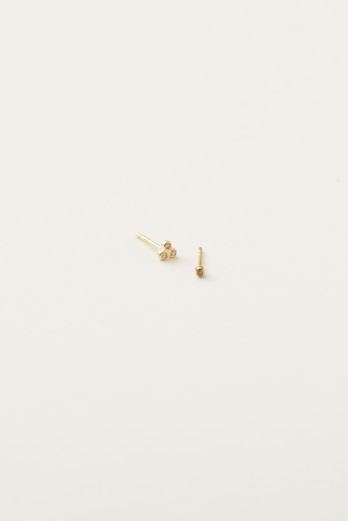 STUDIO LOMA - ELSIE earring, gold with 3 white diamonds