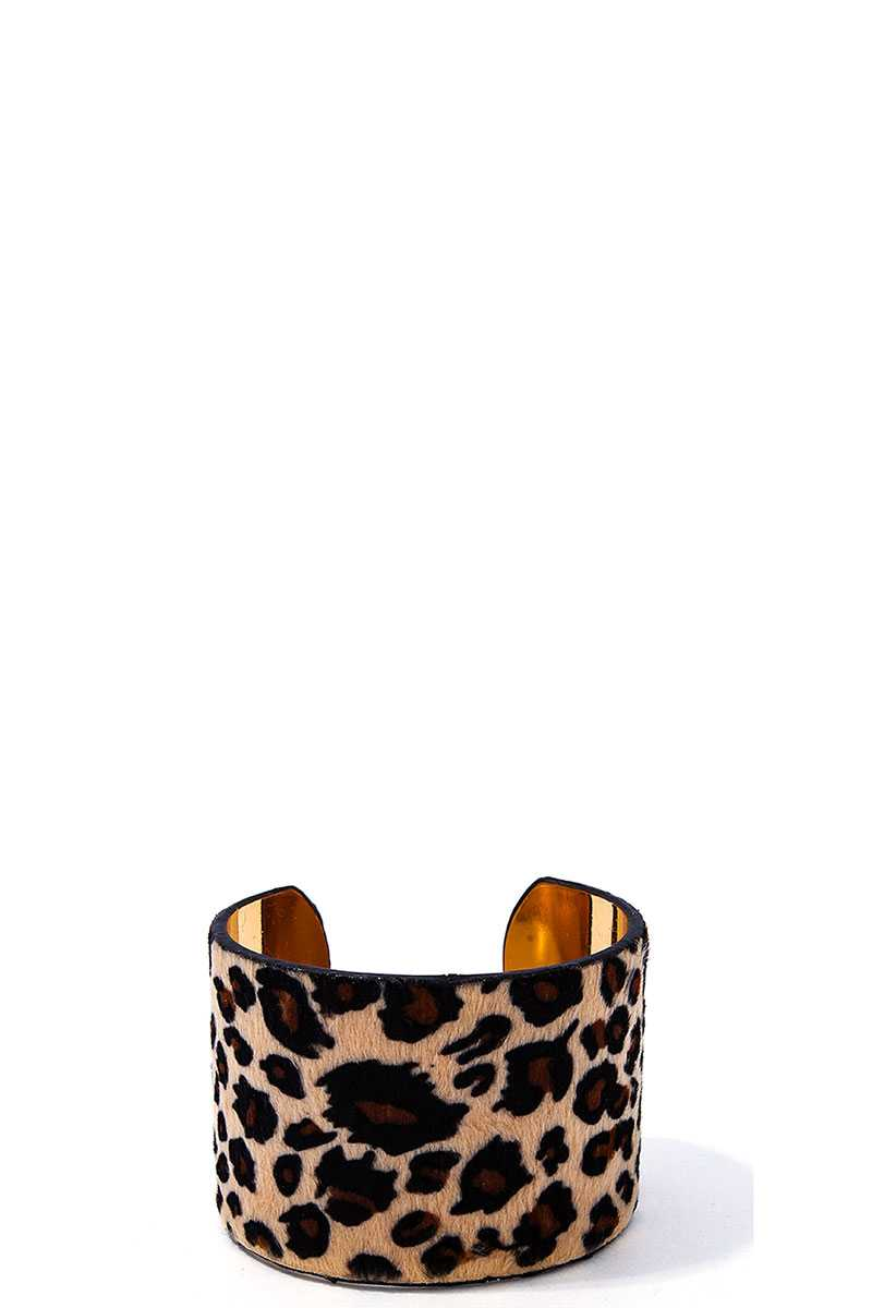 Fashion Stylish Modern Bangle - Radiant