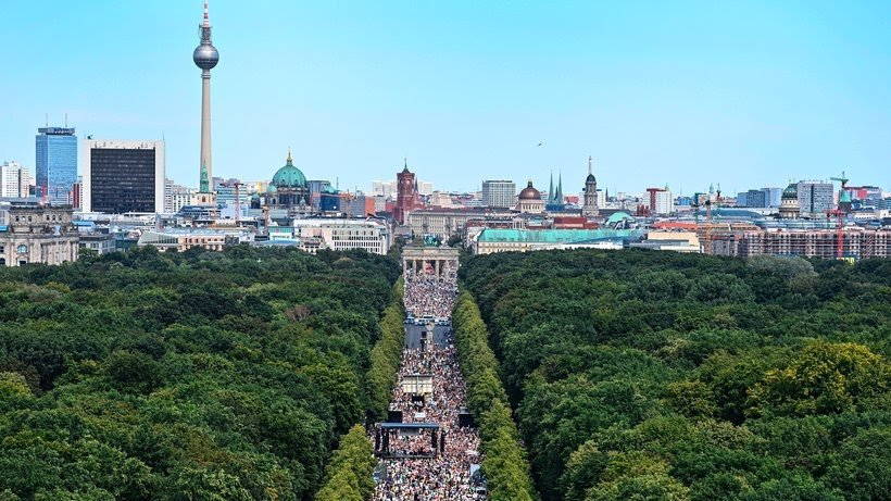 NEWSFLASH ### BERLIN VERBIETET ANTI-CORONA DEMONSTRATION
