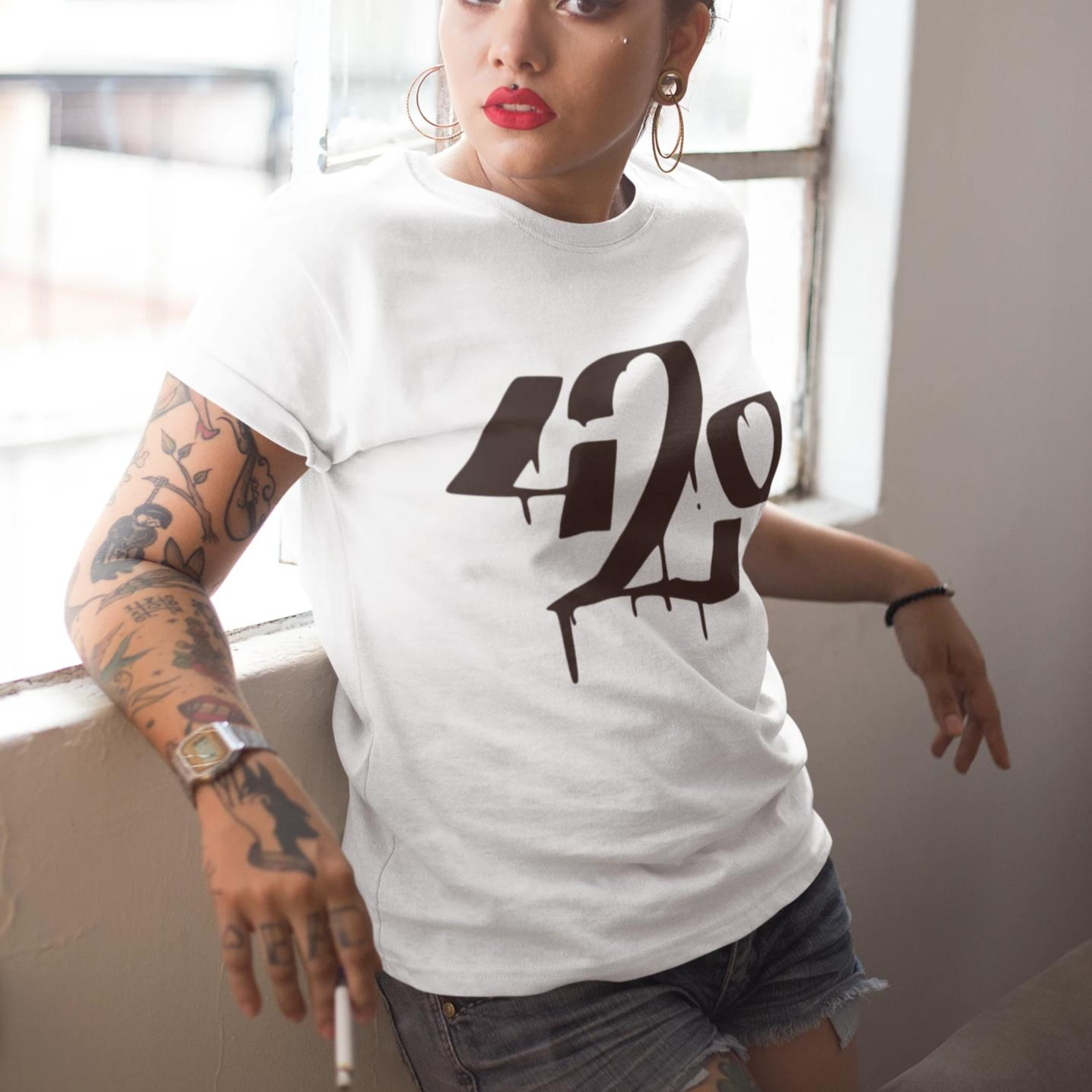 420 white - Rave On!® - Damenshirt Damen Basic T-Shirt - Rave On!® der Club & Techno Szene Shop für Coole Junge Mode Streetwear Style & Fashion Outfits + Sexy Festival 420 Stuff