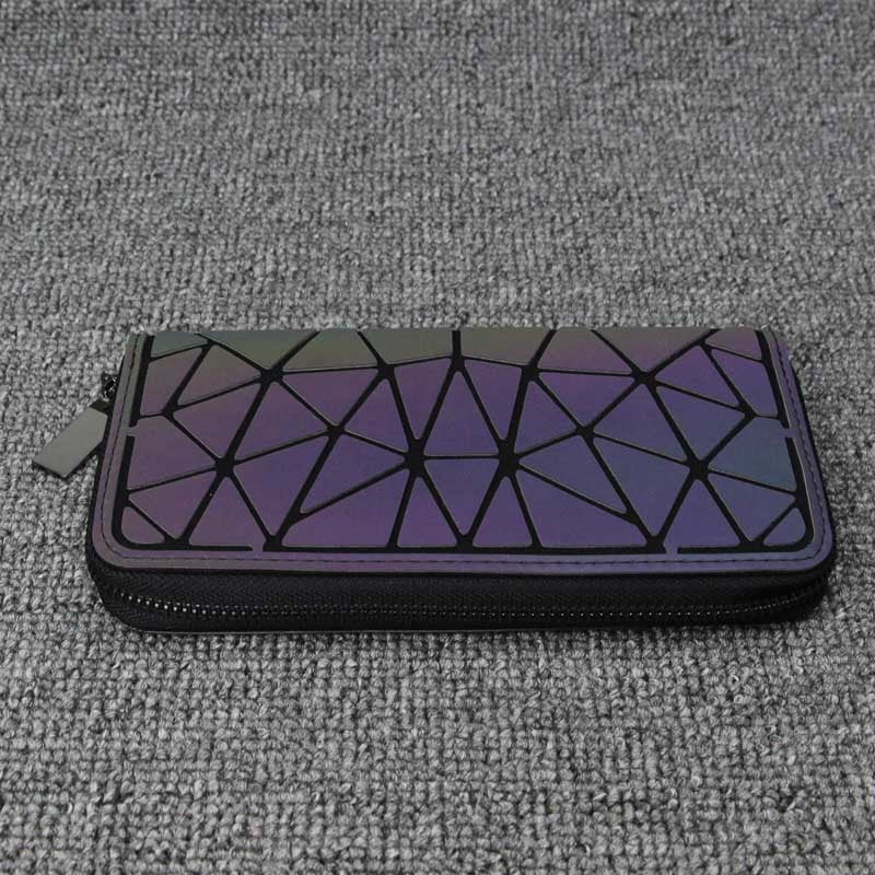 Holographisch leuchtendes Long Wallet - geometric Luminous LUMI - Rave On!® der Club & Techno Szene Shop für Coole Junge Mode Streetwear Style & Fashion Outfits + Sexy Festival 420 Stuff