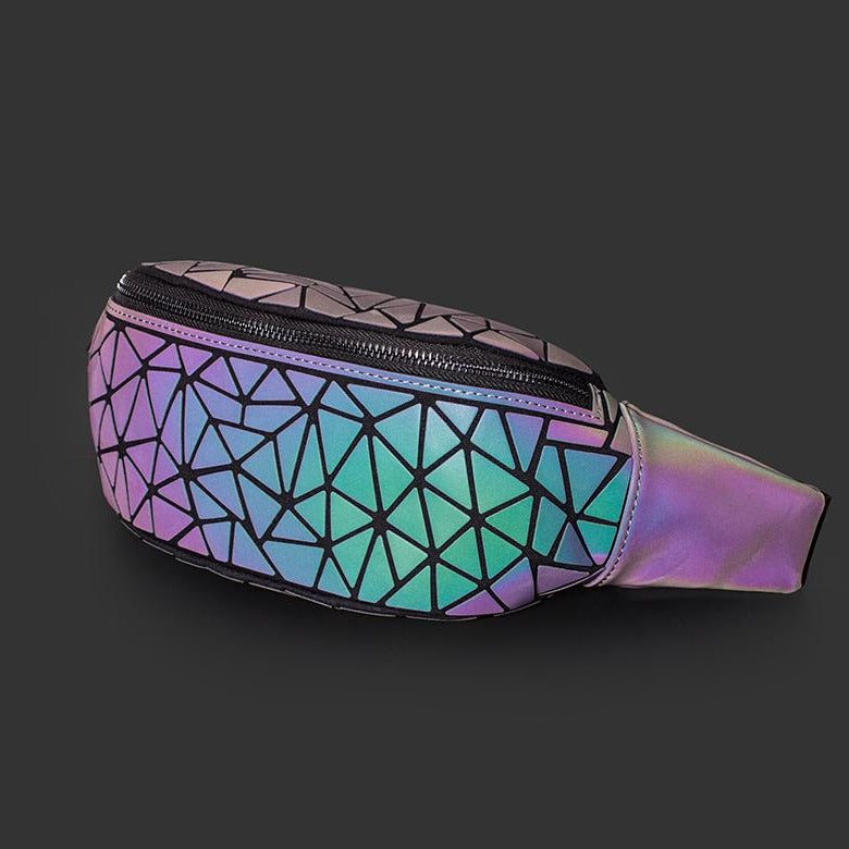 NEUE Holographisch leuchtende Bauchtasche (New Version - 2020) LUMI - Rave On!® der Club & Techno Szene Shop für Coole Junge Mode Streetwear Style & Fashion Outfits + Sexy Festival 420 Stuff