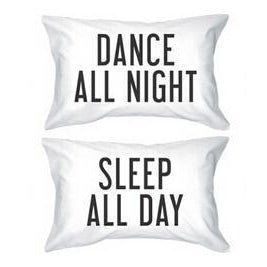 "Satin ""Dance All Night Sleep All Day"" Kissenbezüge Home & Living 16x24 inch - Rave On!® der Club & Techno Szene Shop für Coole Junge Mode Streetwear Style & Fashion Outfits + Sexy Festival 420 Stuff"