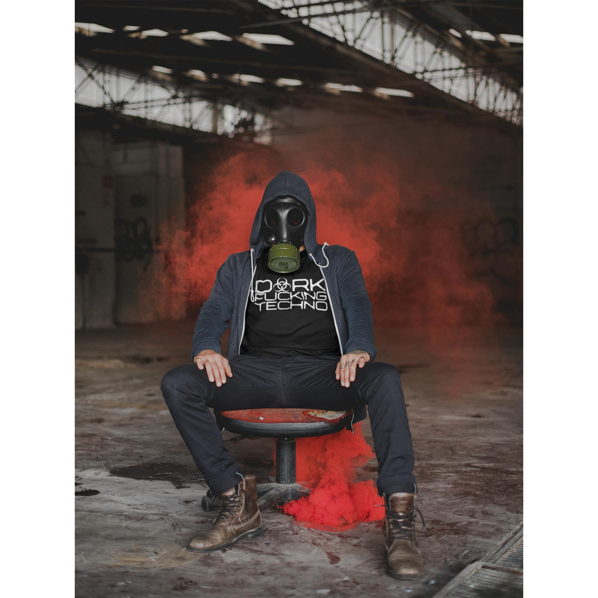 Dark F Techno Rave On!® - Herren Shirt Herren Basic T-Shirt - Rave On!® der Club & Techno Szene Shop für Coole Junge Mode Streetwear Style & Fashion Outfits + Sexy Festival 420 Stuff
