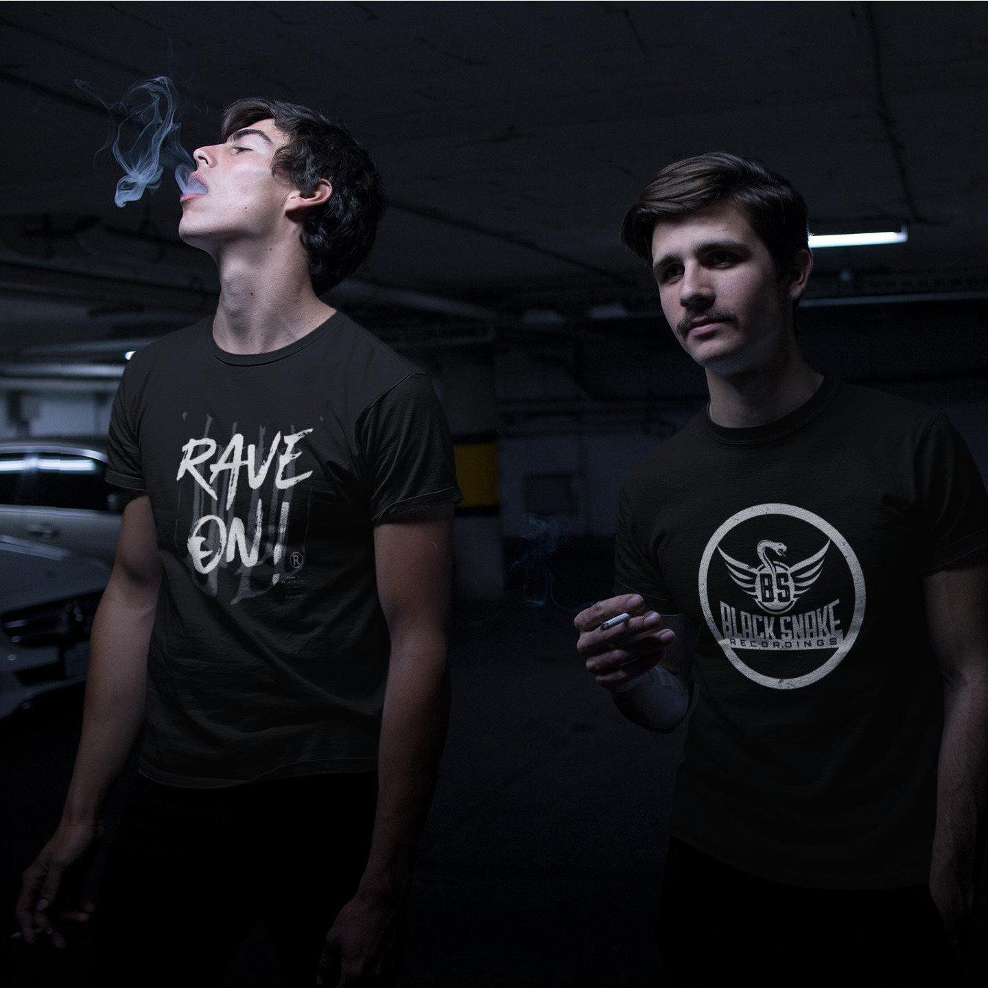 Rave On!® - Made On Planet Earth B2k20 - Herren Premiumshirt Herren Premium Shirt - Rave On!® der Club & Techno Szene Shop für Coole Junge Mode Streetwear Style & Fashion Outfits + Sexy Festival 420 Stuff