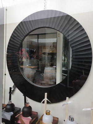 Black Ridged Round Mirror