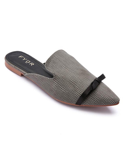 The perfect pair of fat mules to take you from day to night! Fyor, Fyorindia, Fyor Colaba, Fyor Kemps Corner