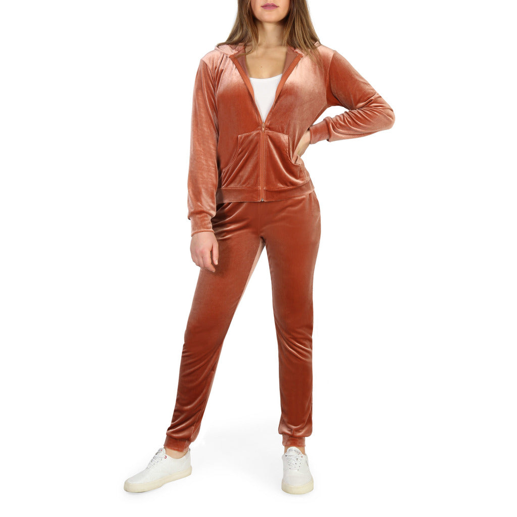 Bodyboo's stylish Sienna Tracksuit For Women