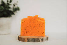 Load image into Gallery viewer, LEMON POPPYSEED - Natural Soap