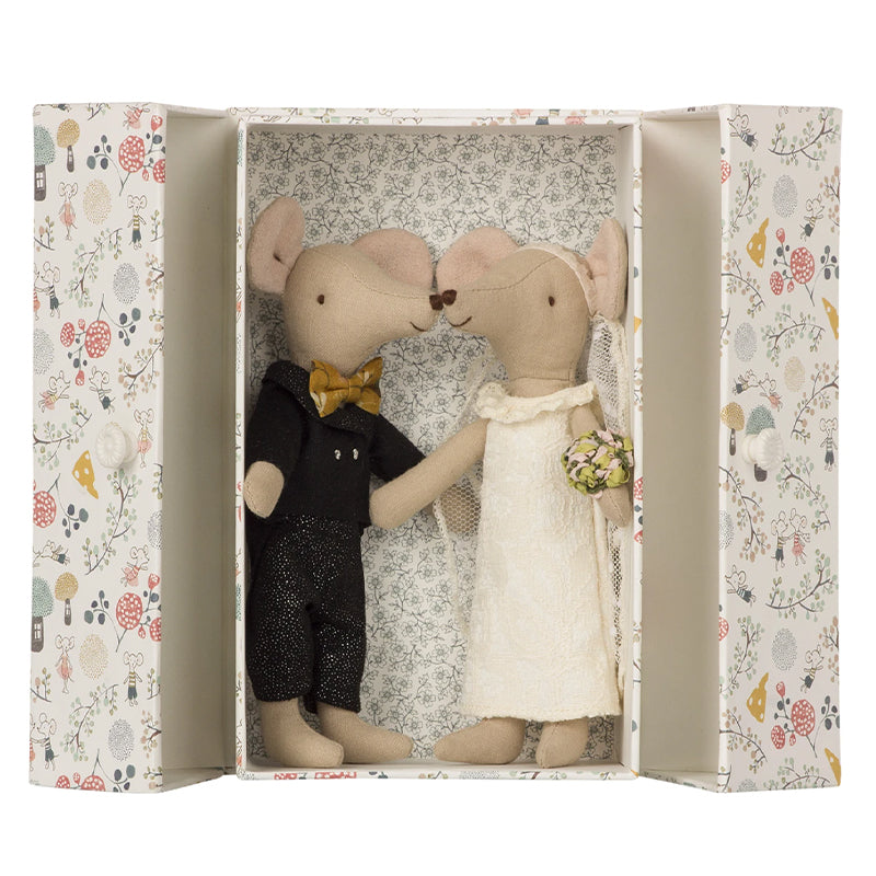 Maileg Bride and Groom Mice in their box - eku Box curated gifts